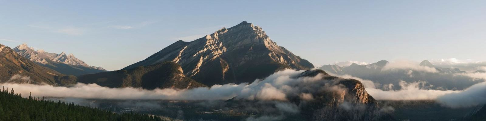 001911_View from Rimrock Resort_Banff National Park_Alberta - Photo Credit Copithorne and Blakely_Travel Alberta_001