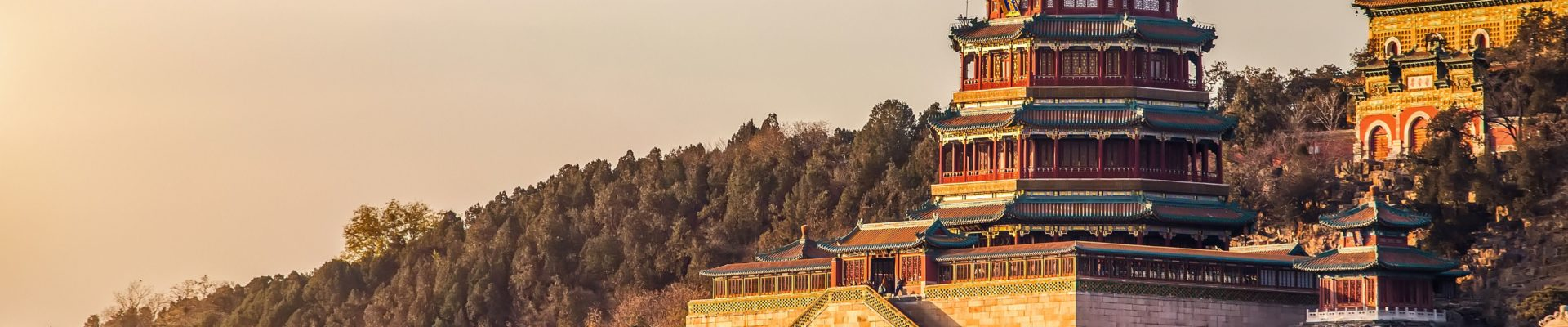the-summer-palace-in-beijing-564897011-5a5369cd842b17003763ec8f